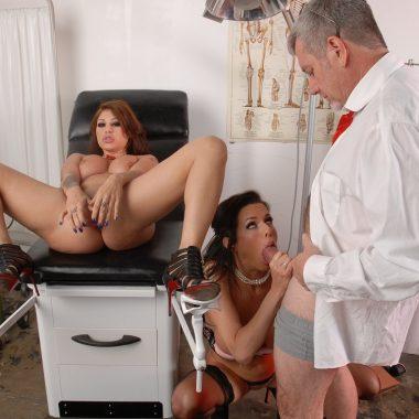 Dem Frauenarzt einen blasen