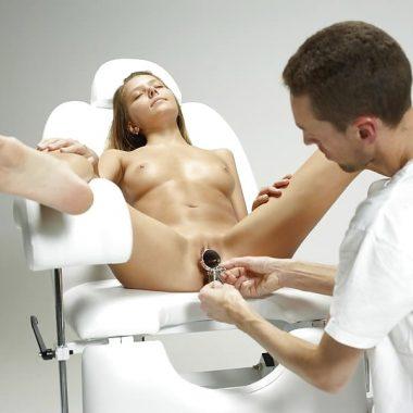 Notgeile Frauenarztspiele